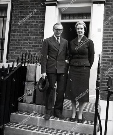 Peter Carington 6th Baron Carrington The New High Commissioner For Australia. Seen Leaving His London Home With His Wife Iona Maclean. Glass Neg.