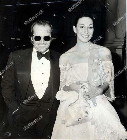 Jack Nicholson And Anjelica Huston In London.