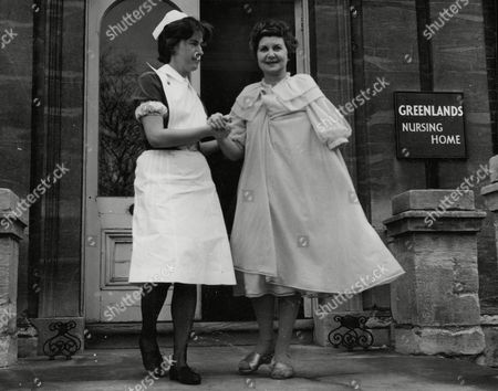 Doris Barry Former Windmill Girl And Sister Of Ballerina Alicia Markova Leaving Greenlands Nursing Home Hospital After Treatment For Injuries She Received In A Car Crash. Box 708 1012101642 A.jpg.