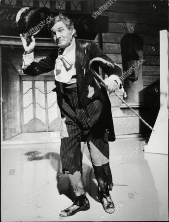 U.s. Actor Gene Barry Dressed As A Tramp As He Appears In The London Weekend Television Spectacular Starring Danny La Rue. Box 709 613101617 A.jpg.
