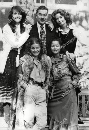 Actor Burt Kwouk With Actresses (back L-r) Louise Jameson And Anne Bell. (front L-r) Stephanie Beacham And Emily Bolton. Box 710 317101642 A.jpg.