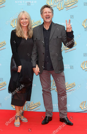 Jun 29 2017 - London England Uk - 'The Wind in the Willows' Musical Gala Performance London Palladium - Red Carpet Arrivals Photo Shows: Neil Buchanan(credit Image: