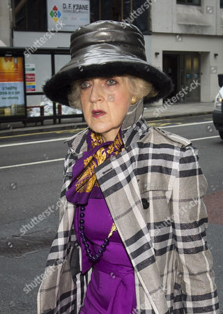 Jun 28 2017 - London England United Kingdom - Pic Shows Baroness Fiona Shackleton Arriving at the Central Family Court in London Today (credit Image: Â