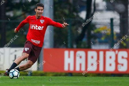 Hernanes during training of Sao Paulo in the CT of Barra Funda