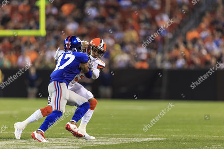 New York Giants defensive back Valentino Blake (47) running down field during punt in the NFL football game between the New York Giants and the Cleveland Browns at First Energy Stadium in Cleveland, Ohio
