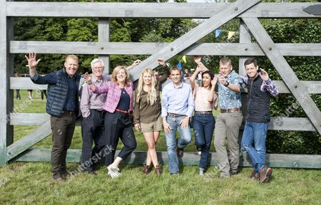 The Countryfile Tv Presenters At The Countryfile Live Event At Blenheim Palace In Oxfordshire. John Craven Anita Rani Ellie Harrison Adam Henson Tom Heap Matt Baker John Hammond And Charlotte Smith. 04/08/2016 Writer David Leafe.