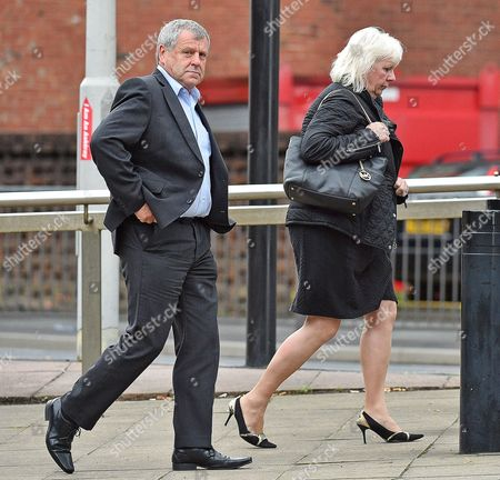 Stock Photo of Sadie Hartley Murder Trial At Preston Crown Court Preston Lancs. - Graham Cook(l) The Brother Of Sadie Hartley And Julie Taylor (r) The Best Friend And Business Partner Of Sadie Hartley - 4/8/16.