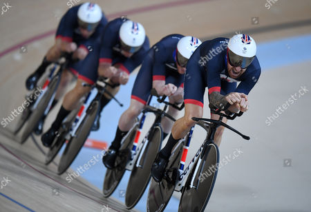 Team Gb Men's Team Pursuit Qualifying Lead By Sir Bradley Wiggins Edward Clancy Steven Burke And Owain Doull At The Rio Olympics Brazil.