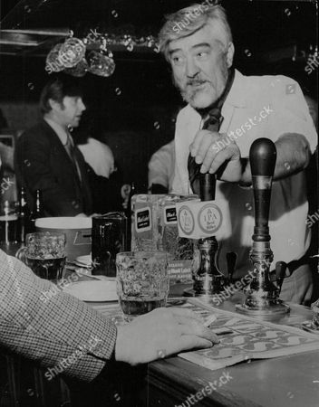 Actor Ivan Beavis Who Once Played Harry Hewitt In Coronation Street Pictured Helping Out Behind The Bar Of The Harrow Pub Just Off Fleet Street While He Is Between Acting Jobs. Box 712 327101636 A.jpg.