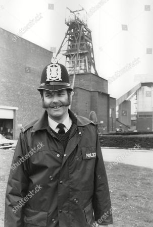 Pc Ian Beattie For Feature On Rural Constables And Their Role In The Nottinghamshire Pit Strike. Box 712 227101641 A.jpg.