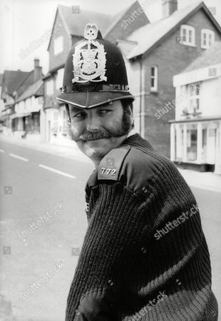 Pc Ian Beattie For Feature On Rural Constables And Their Role In The Nottinghamshire Pit Strike. Pc Beattie Is Pictured Back On His Home Beat Of Lyndhurst And The New Forest. Box 712 227101642 A.jpg.