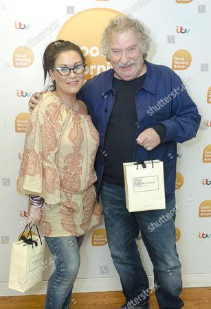 Jessie Wallace and Paul Bradley