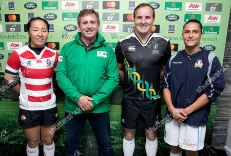Italy vs Japan. Japans's Seina Saito with Raymond Shannon (Heineken coin toss winner), referee Tim Baker and Sara Barattin of Italy during the coin toss