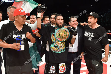 Luis Nery (MEX) - Boxing : New champion Luis Nery of Mexico celebrates after winning the WBC bantamweight title bout against Shinsuke Yamanaka of Japan at Shimazu Arena Kyoto in Kyoto, Japan.