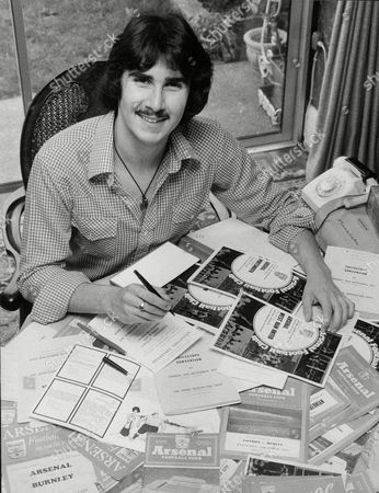 Marvin Berglas Collector Of Football Programmes Who Wanted To Organise A Programme Fair. His Idea Quickly Expanded To Dealers Of Other Collectables And Now The Humble Programme Fair Has Exploded Into A Collectors Convention. Box 714 401111639 A.jpg.