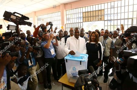 Abel Chivukuvuku, opposition CASA-CE candidate, casts his vote in elections in Luanda, Angola, . Defense Minister Joao Lourenco, is the front-runner to succeed President Jose Eduardo dos Santos, who will step down after 38 years in power in an oil-rich country