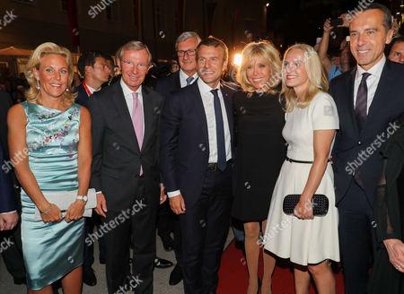 Wilfried Halsauer and wife Christina Halsauer, Emmanuel Macron and wife Brigitte Macron, Christian Kern and wife Eva Kern and Helga Rabl Stadler