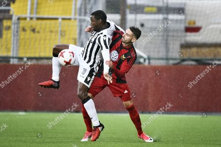 Djalma Campos (L) of PAOK Thessaloniki vies with Gabriel Somi of Ostersund during the UEFA Europa League second leg play-off match between Ostersunds FK and PAOK Thessaloniki in Ostersund, Sweden, 24 August 2017.