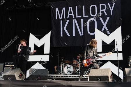 Mallory Knox performing. Mikey Chapman, Sam Douglas, Dave Rawling