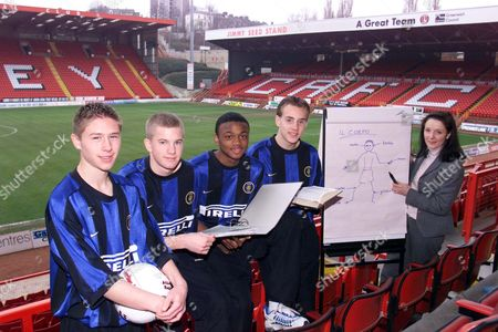 Charlton Athletic Fc Youth Players: L-r Stacy Long 15 Chris Nunn 15 Osei Sankofa 14 And Alex Varney 15 With Tutor Manola Restivo Who Will Travel To Milan And Train At The Internazionale Academy For A Week As Part Of The Agreement Between Inter Milan And The South London Club