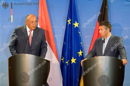 Egyptian Foreign Minister Sameh Hassan Shoukry (L) and German Foreign Minister Sigmar Gabriel (R) give a press statement on their bilateral meeting in Berlin, Germany, 27 August 2017. Both ministers discussed issues of migration, fight against terrorism and the importance of river Nile for Egypt and the Middle East.