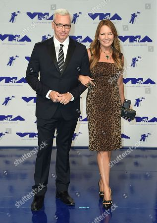 Drew Pinsky, Susan Pinsky Dr. Drew Pinsky, left, and Susan Pinsky arrive at the MTV Video Music Awards at The Forum, in Inglewood, Calif