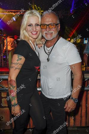 Jenny van Bree and Nino de Angelo  ....