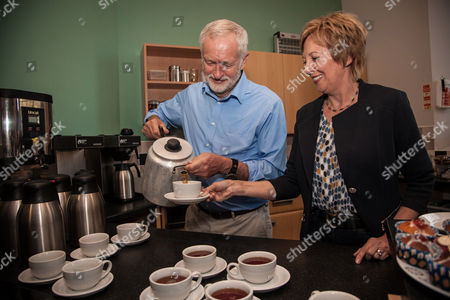 Stock Photo of Jeremy Corbyn, Leader of the Labour Party and Lesley Laird, Shadow Scottish Secretary and MP for Kirkcaldy and Cowdenbeath take tea at St Bryce Kirk, Kirkcaldy