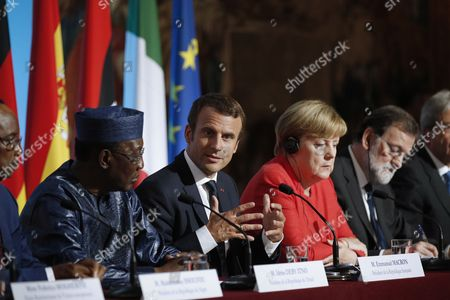 (L-R) Chad's President Idriss Deby Itno, French President Emmanuel Macron, German Chancellor Angela Merkel and Spanish Prime Minister Mariano Rajoy attend a press conference at the Elysee Palace in Paris, France, 28 August 2017. Leaders from Germany, Spain, Italy and the EU meet with their counterparts from Niger, Chad and Libya in Paris for discussions on how to stem economic migration. The meeting is organized by French President Macron.