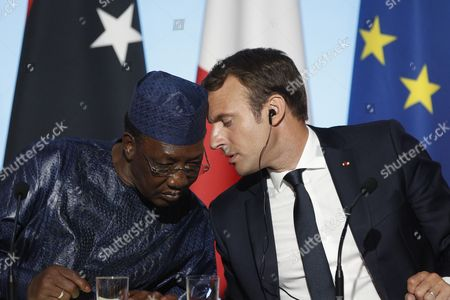 French President Emmanuel Macron (R) talks with Chad's President Idriss Deby Itno (L) during a press conference at the Elysee Palace in Paris, France, 28 August 2017. Leaders from Germany, Spain, Italy and the EU meet with their counterparts from Niger, Chad and Libya in Paris for discussions on how to stem economic migration. The meeting is organized by French President Macron.