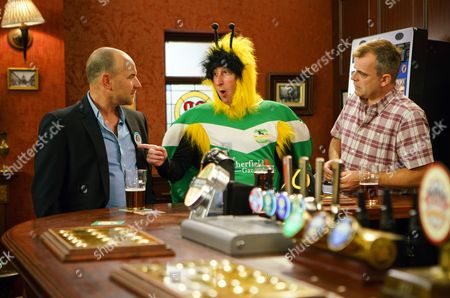 Stock Picture of Ep 9242 Sunday 3rd September 2017 As the factory girls gather in the Rovers for Sally's campaign launch, along with a reporter from the Gazette, Sally's thunder is stolen when Kirk Sutherland, as played by Andrew Whyment, arrives dressed as Buzzer the Bee. The reporter jokes that he should stand for mayor. As the girls back the idea, will Sally be upstaged by a bee?