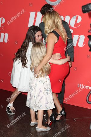 Lola Flanery, Eden Grace Redfield, Jon Rudnitsky and Reese Witherspoon