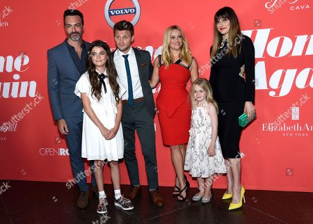 "Reid Scott, Lola Flanery, Jon Rudnitsky, Reese Witherspoon, Eden Grace Redfield, Lake Bell Reid Scott, from left, Lola Flanery, Jon Rudnitsky, Reese Witherspoon, Eden Grace Redfield and Lake Bell arrive at the Los Angeles premiere of ""Home Again"" at the DGA Theater, in Los Angeles"