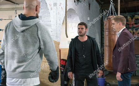 Ep 7920 Monday 28th August 2017 When he arrives at the gym, Jason, as played by Samuel Edward-Cook, taunts him leaving Aaron Dingle, as played by Danny Miller, furious and more intent on fighting it out. Suddenly Robert Sugden, as played by Ryan Hawley, appears with the others and tries to stop the fight going ahead but Jason suggests he and Aaron have a legitimate match in the ring.