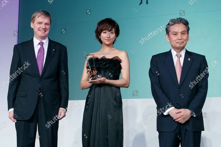 Japanese actress Fumino Kimura (C) wears a diamond jewelry set valued at 200,000,000 JPY during the 'Women of the Year' Award Ceremony at the Japan Jewellery Fair 2017 in Tokyo Big Sight, Tokyo, Japan.