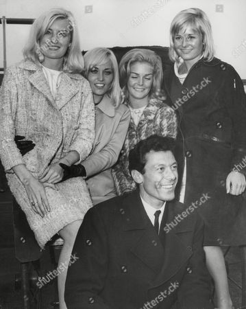 Stock Picture of Lionel Blair And His Dancers Arrive Back In London After A Tour Of The Far East. Dancers Are Diana Williams Jackie Irving Eithne Milne And Jennifer Wright (no Order Given). Box 718 722111624 A.jpg.
