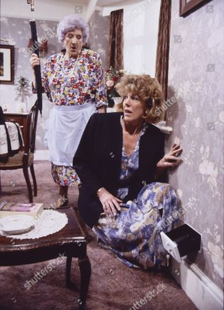 Jill Summers (as Phyllis Pearce) and Sue Nicholls (as Audrey Roberts)