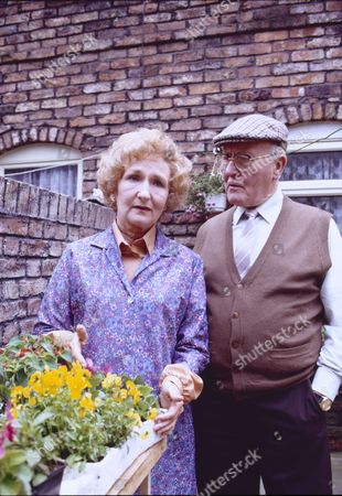 Eileen Derbyshire (as Emily Bishop) and Bill Waddington (as Percy Sugden)