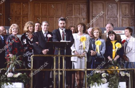 Roy Barraclough (as Alec Gilroy), Paula Tilbrook (as Vivian Barford), Sue Nicholls (as Audrey Roberts), Bryan Mosley (as Alf Roberts), Steve Halliwell (as Returning Officer), Anne Kirkbride (as Deirdre Barlow), Eileen Derbyshire (as Emily Bishop) and Dawn Acton (as Tracy Barlow)
