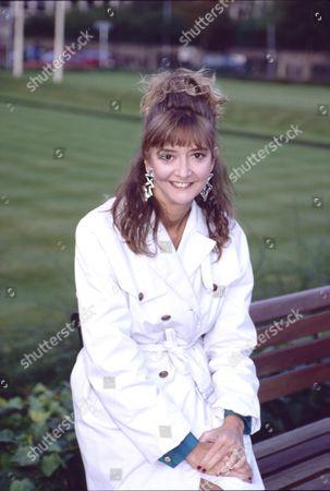 Sue Elliot (as Julie Dewhurst)