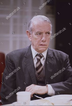 Harold Goodwin (as Joss Shackleton)