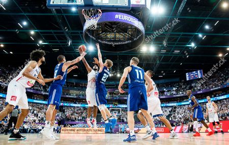 Boris Diaw of France vs Lauri Markkanen of Finland during basketball match between National Teams of France and Finland at Day 1 of the FIBA EuroBasket 2017 at Hartwall Arena in Helsinki