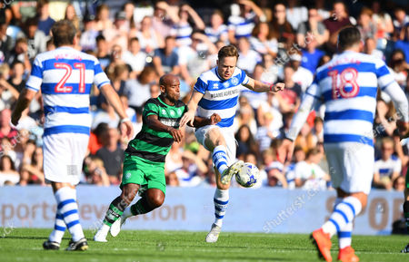 Olly Murs of Team Ferdinand battles with Trevor Sinclair of Team Shearer