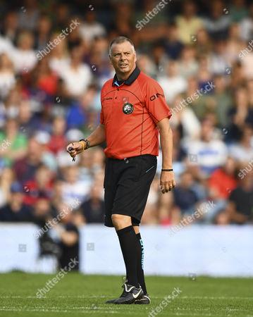 Referee Mark Halsey