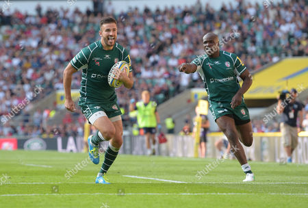 Tommy Bell of London Irish scores his sides second try as Topsy Ojo celebrates