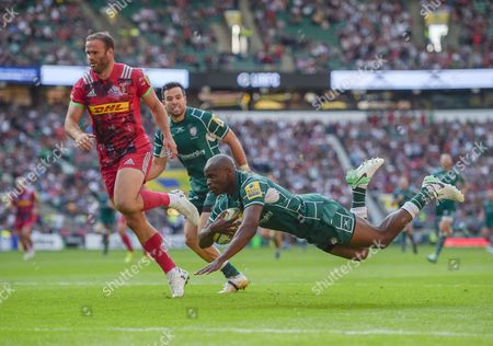 Topsy Ojo of London Irish scores his first try, 13-3