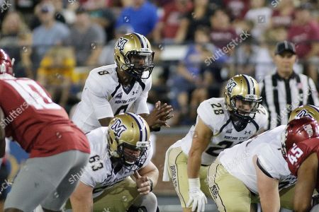 Montana State quarterback Chris Murray (8) calls a play during the first half of an NCAA college football game against Washington State in Pullman, Wash
