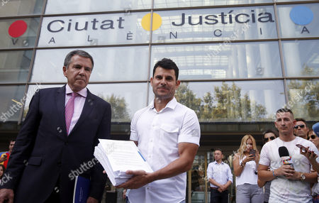 Javier Sanchez Santos (R), who claims to be son of Spanish singer Julio Iglesias, arrives to court in order to present a paternity suit to claim recognition in Valencia, Spain, 04 September 2017. According to Sanchez Santos, he has a DNA test that proves he is son of the well-known Spanish singer.