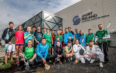 Pictured at the Sport Ireland National Sports Campus for the launch of Ireland?s first Family SportFest, being held there on Sunday 1st October are (L-R) Brian Byrne (Squash), Catherina McKiernan (Athletics), Saffron Cullen (Archery), Mia O'Rahilly Egan (Table Tennis), Conal Keaney (Hurling), Brendan Hyland (Swimming), Gavin Maguire (Table Tennis), Gillian Pinder (Hockey), Chloe Magee (Badminton), Comhghall Guerrine (Gymnastics), Ellen Keane (Paralympics), Jason Killeen (Basketball), Alan Brogan (Football), Tom O'Brien (Penathlon), Mike McCarthy (Rugby), Robbie Benson (Soccer), Kate Coleman (Penathlon), Conor Howe (Special Olympics Ireland), Edel Armstrong (Special Olympics Ireland), Shane Lyndon (Gymnastics), Maxim Trigub (Judo) and Adam Taylor (Archery). The Family SportFest takes place during #BeActive European Week of Sport and will see the Sport Ireland National Sports Campus provide people of all ages the chance to sample some of the 30 different sports accommodated at Ireland?s national sports facility. There will also be meet and greets with some of Ireland?s sport stars, question and answer sessions with top athletes and coaches, a trophy zone with some of Ireland?s most famous silverware and a skill zone where parents and children alike can test their skills in a fun, non-competitive environment. The event runs from 11am to 4pm and is open to people of all ages and abilities. Tickets are priced at ?10 for a family ticket (two adults & up to three children), ?5 per adult and ?3 per child. . For more information on the Family SportFest log on to www.nationalsportscampus.ie/familysportfest