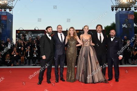 Director Darren Aronofsky, Jennifer Lawrence, Javier Bardem, Michelle Pfeiffer, producers Ari Handel and Scott Franklin